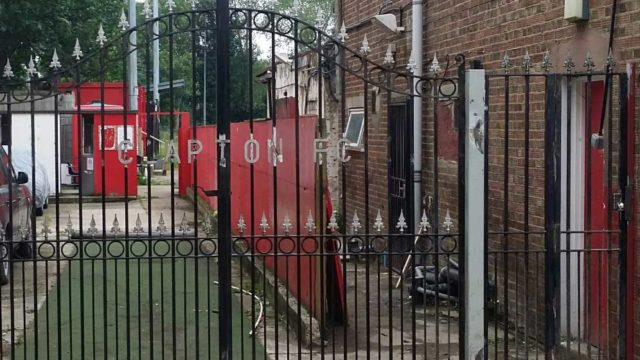 Clapton-gates-installed1